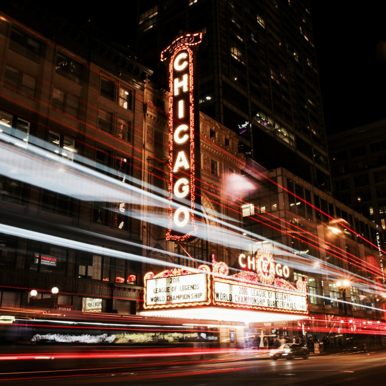 the-Chicago-theatre-J1